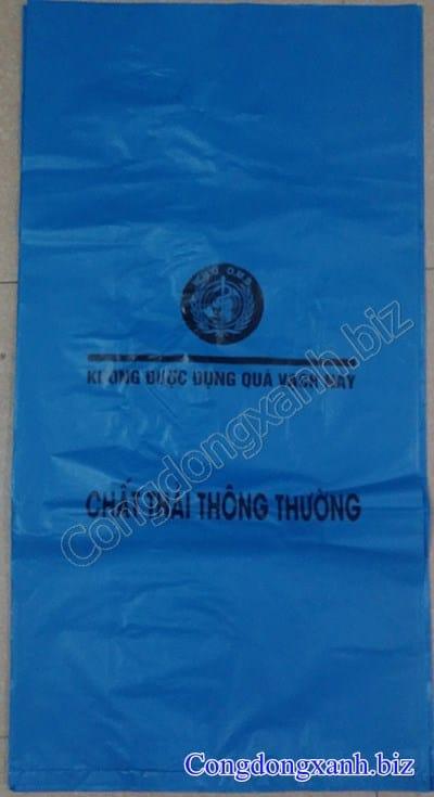 túi đựng rác thải màu xanh